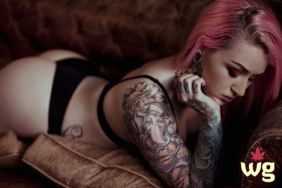 hot tattoo girl with pink hair wearing black lingerie | ganesha tattoo | big ass | weed girls