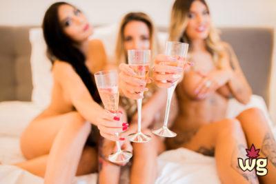 hot girls toasting naked | Weed Girls